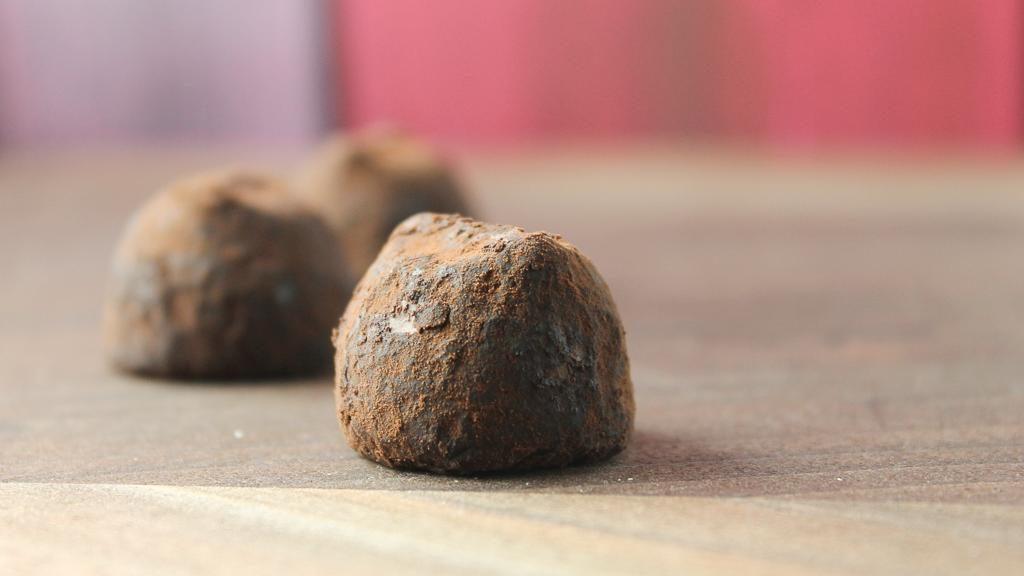 dark-chocolate-peppemint-truffles